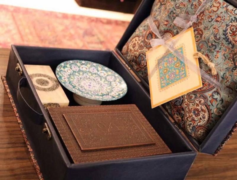 نمایشگاه سوغات، هدایا و هنر های دستی بانوان شیراز 98