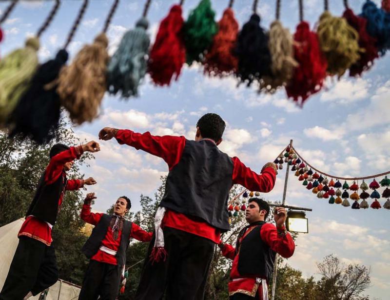 نمایشگاه و جشنواره اقوام ایرانی و توانمندی های روستاییان کرمانشاه 98